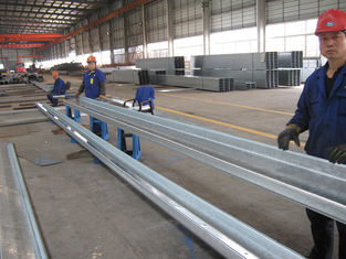 Chine Purlins en acier galvanisés par section Commun-utilisés de C et de Z pour des revêtements de toit et de côté de difficulté fournisseur