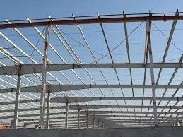 Chine Le type acier de H Pré-a machiné la conception simple de construction pour l'infrastructure de ferme fournisseur