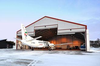 Chine Hangars en acier d'avions de portes roulées de Clearspan Pré-machinés avec les bottes en acier fournisseur
