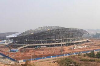 Chine Structure métallique d'OEM, bâtiments préfabriqués de botte en métal de tuyau et stades de sports fournisseur