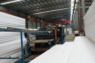 Chine La coutume Pré-a machiné le système industriel préfabriqué de feuilles de toiture en métal de soudure fournisseur