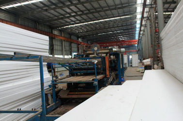 La coutume Pré-a machiné le système industriel préfabriqué de feuilles de toiture en métal de soudure